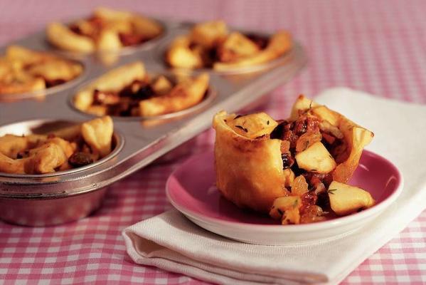 spicy mini apple tarts