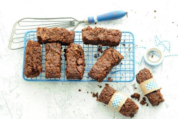 brownies with almond flour, dates and pecans