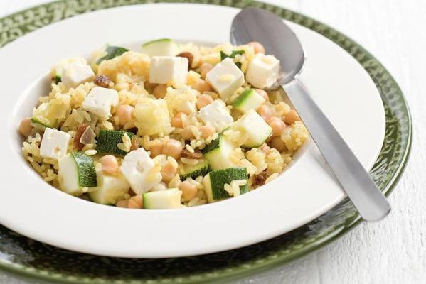 pilav with chickpeas and zucchini