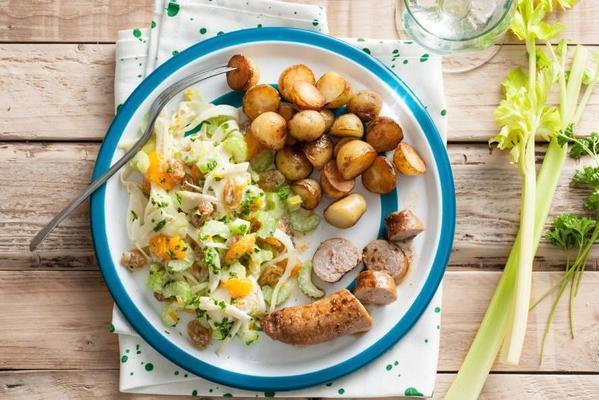 Organic bratwurst with fresh fennel salad and potatoes