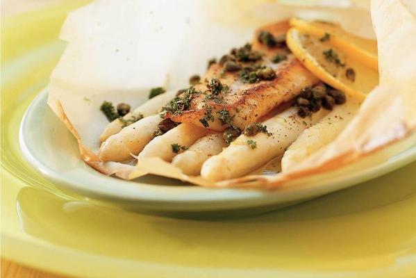 lukewarm salad of asparagus and truffle oil