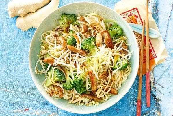 Chinese stir fry with free-range chicken and noodles