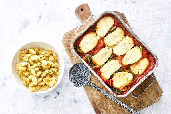 vegetable dish with gratinated halloumi