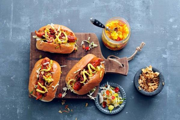 spicy vegahotdog with french mustard