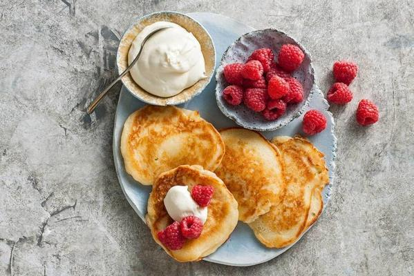 lime pancakes with raspberries