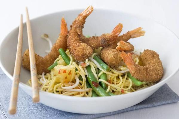 crispy king prawns with noodle salad
