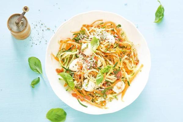 lukewarm pumpkin and zucchini spaghetti