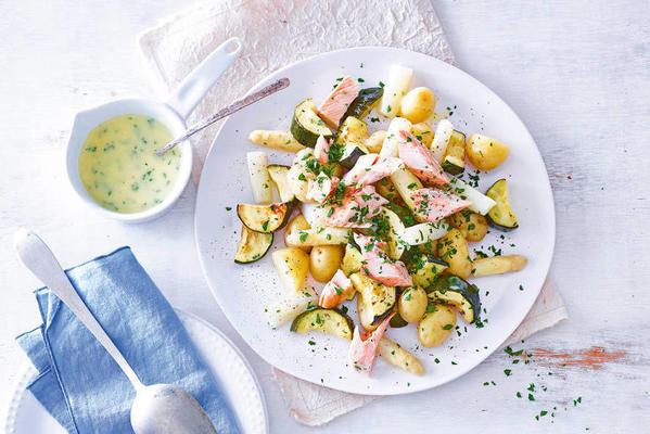 meal salad with asparagus