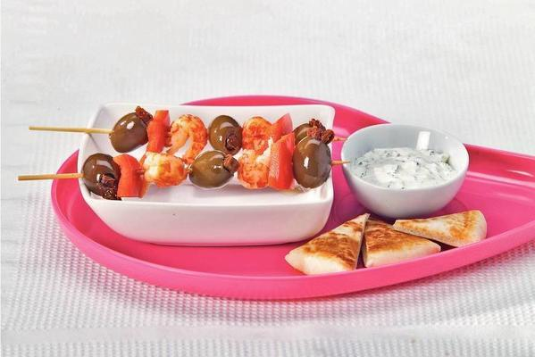 skewer with olives and crayfish