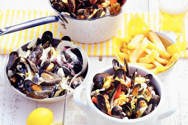 mussel pan with beer