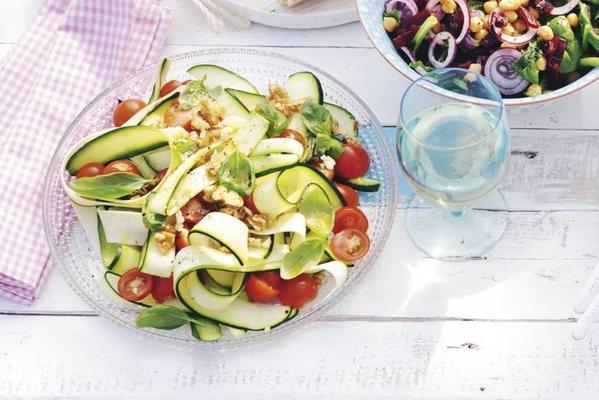 zucchini walnut salad
