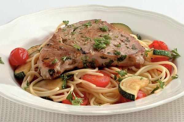 tuna steaks with spaghetti