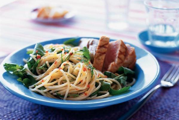 spicy spaghetti with tuna steak
