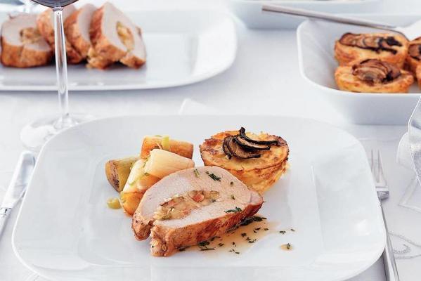 pork fillet with apple ginger filling and port gravy