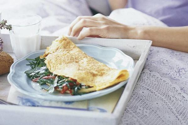 creamy cheese omelet with arugula