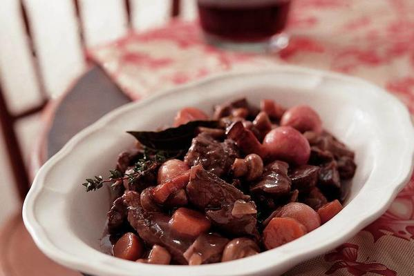 boeuf bourguignon (stew with wine and beef)