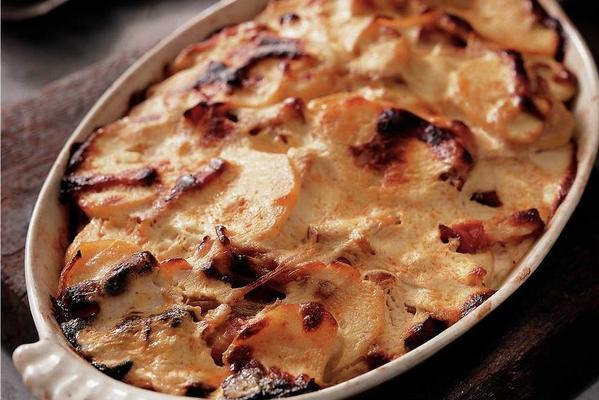 gratinated potatoes with cottage cheese