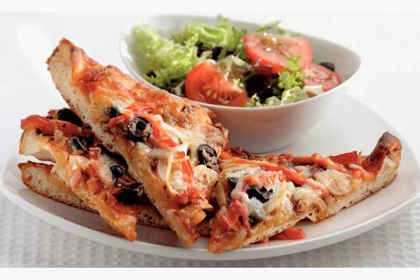 french pizza with roasted peppers