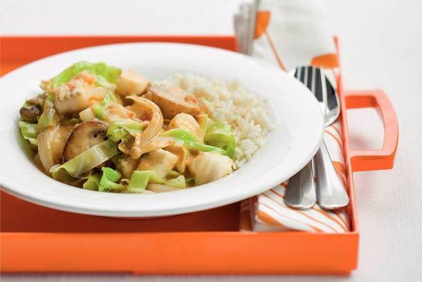 spicy stir-fry of fish and pointed cabbage