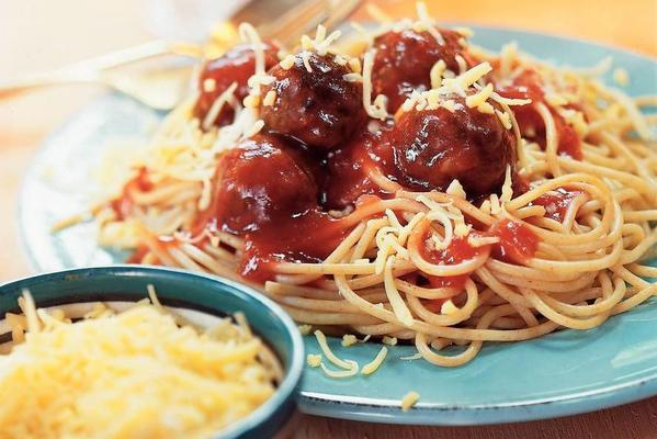spaghetti with tomato sauce and balls
