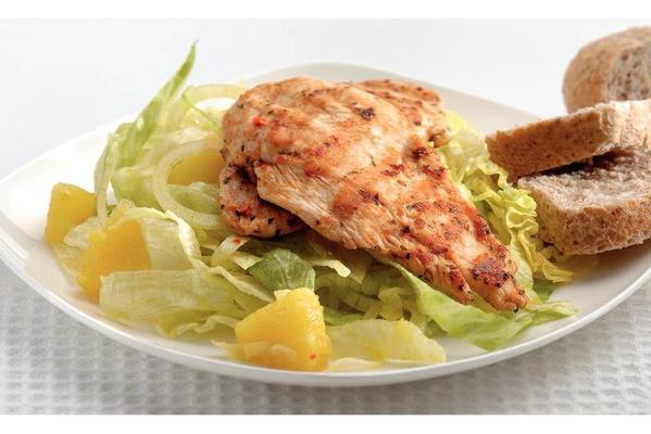 lukewarm salad with chicken and pineapple