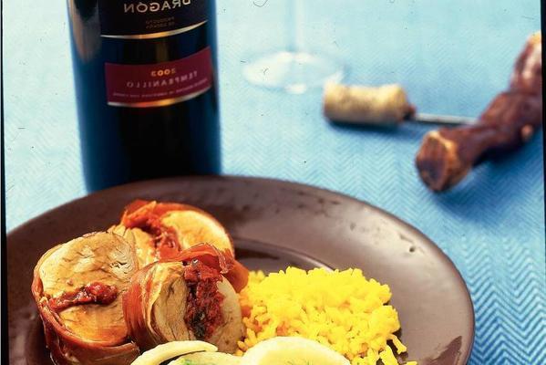 pork tenderloin with paprika and serrano ham