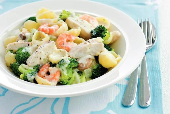 pasta with fish, shrimps and broccoli
