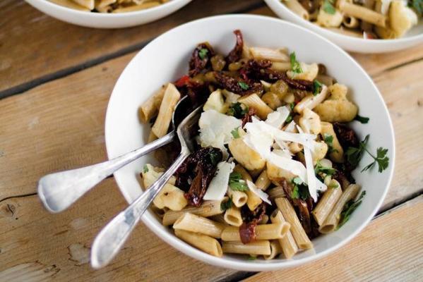 sicilian pasta with cauliflower
