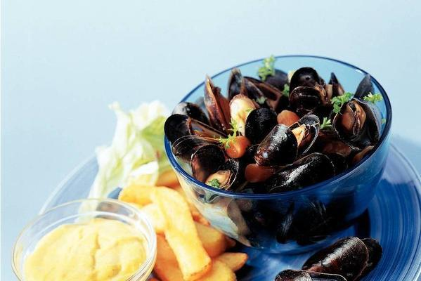 mussel meal with beer