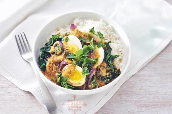spinach curry with egg
