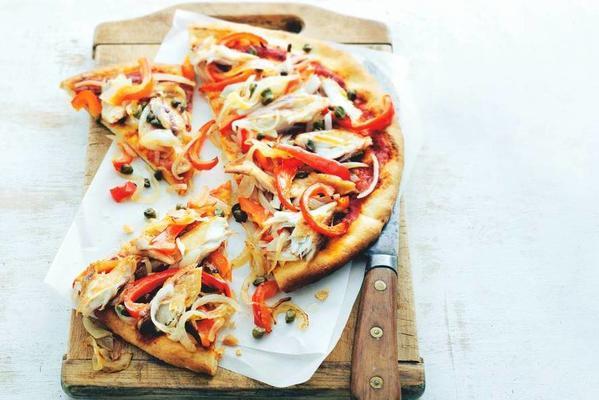 onion pizza with mackerel