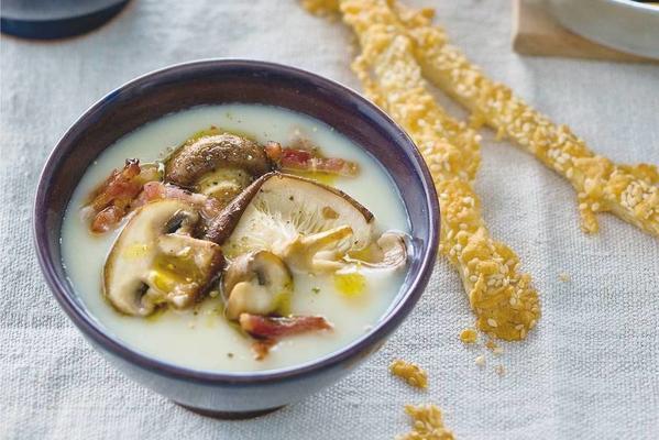 creamy celeriac-mushroom soup with cheese sticks