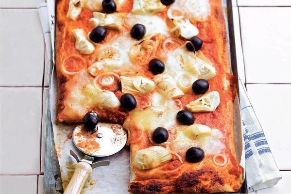artichoke pizzas