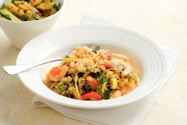 nasi with stir-fry vegetables and prawns