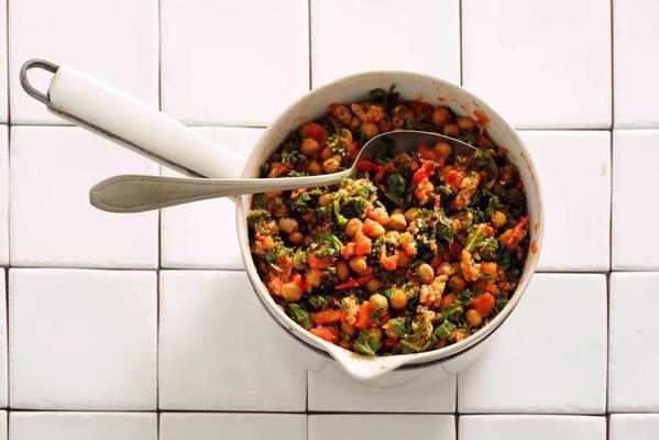 kale-bean stew with bratwurst