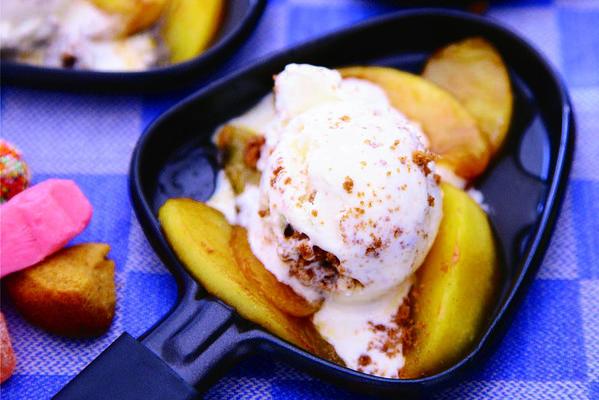 warm cinnamon apples with gingerbread ice cream