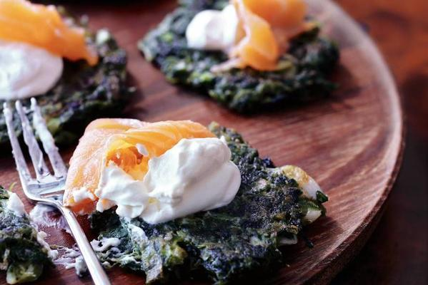 spinach toasts with crème fraîche and salmon