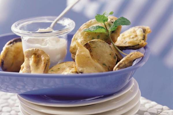 fried eggplants with yoghurt sauce
