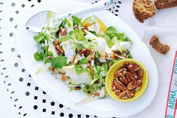 chicory salad with chicken and pear