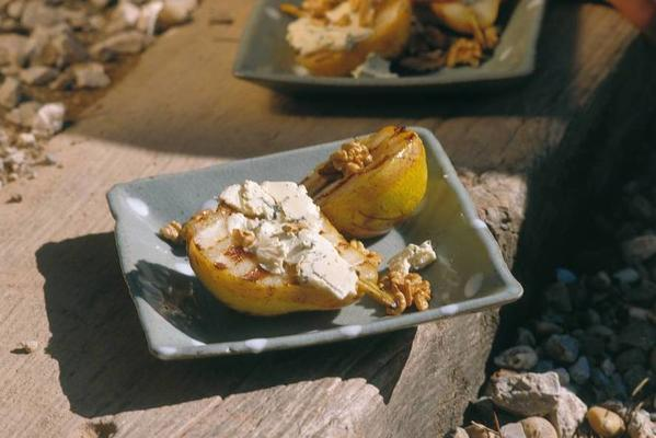 pear with gorgonzola