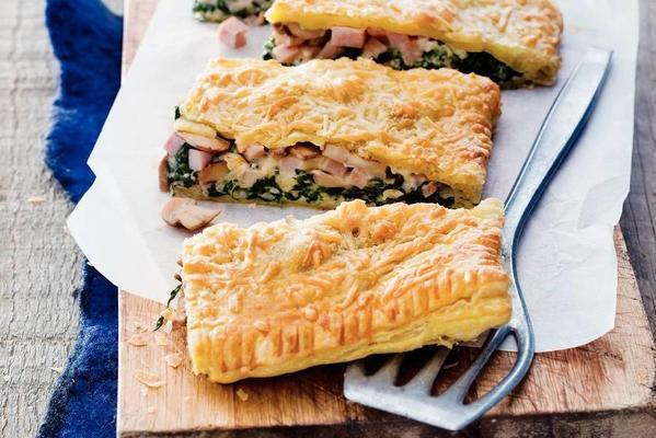 richly filled spinach hamp pie
