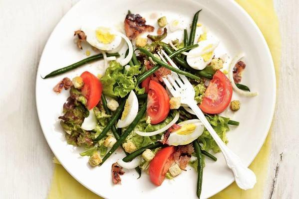 french salad with bacon and egg