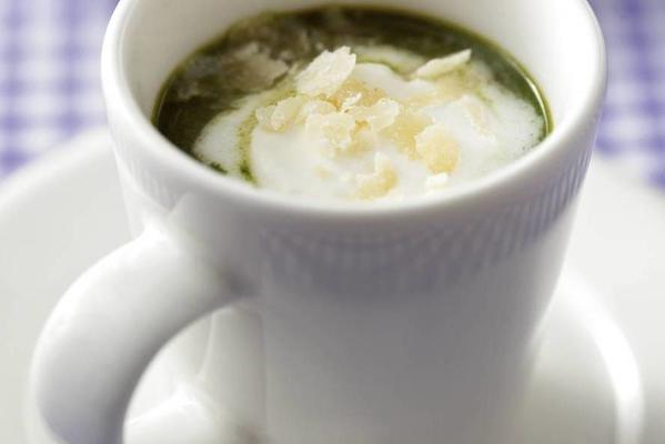spinach cappuccino with gorgonzola