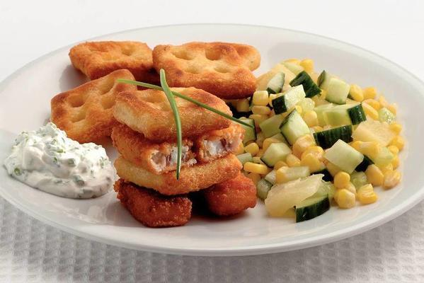 fish fingers with potato wafers