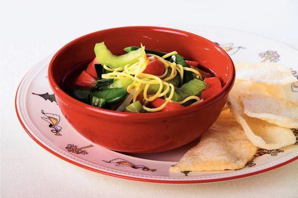 noodle soup with surimi and krupuk