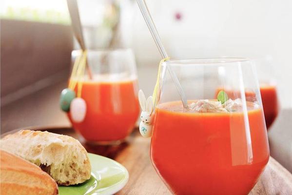 Fresh tomato-soup