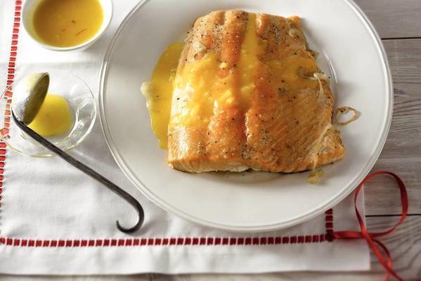 salmon fillet with saffron sauce