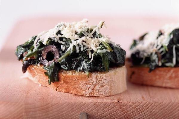 bruschetta with spinach