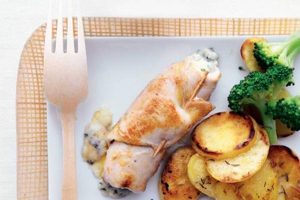 chicken rolls with blue cheese