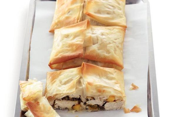 chicken fillet in filo pastry